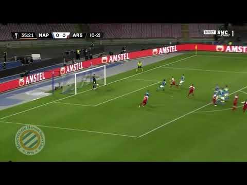 La punizione di Lacazette porta in vantaggio l'Arsenal al minuto 36 del primo tempo.