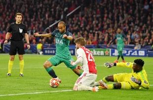 Lucas in azione durante il gol del 2a2. Tottenham è Finale! Lucas&Co. eliminano 2a3 l'Ajax delle meraviglie.