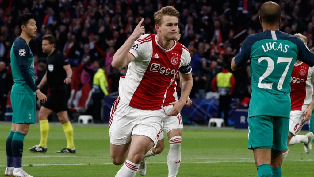 de Light esulta dopo il gol del vantaggio. Tottenham è Finale! Lucas&Co. eliminano 2a3 l'Ajax delle meraviglie.