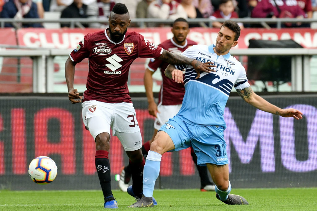 Azione di gioco tra Cataldi e Nkoulou. Torino Lazio finisce 3a1 tra sorrisi ed addii.