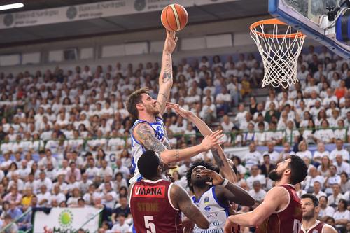 Basket, due casi di positività al coronavirus nella Serie A