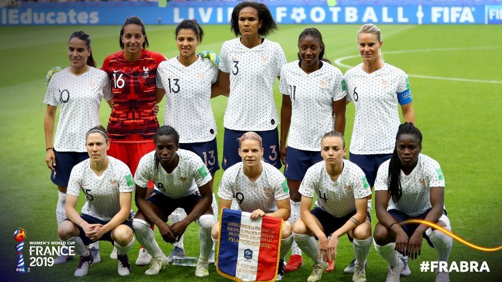 La Nazionale francese prima di Francia-Brasile.
