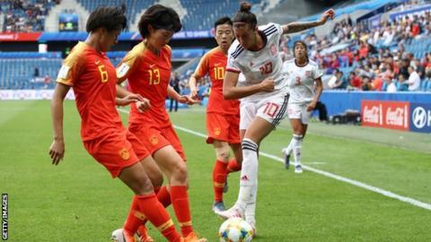 Hermoso, spesso incontenibile durante la gara, viene sottoposta ad un'attenta marcatura da parte delle Cinesi, che conoscono le grandi qualità della 10 Spagnola.