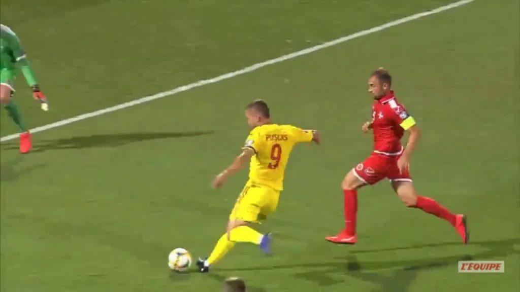 Puscas, attaccante del Palermo e della Romania, protagonista di giornata con una bella doppietta a Malta.