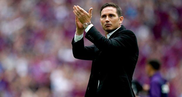 Frank Lampard in veste da allenatore del Derby County