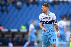Ciro Immobile, bomber della Lazio, già autore di tre reti in questa stagione, è tra i più carichi in questo pre-partita di Cluj-Lazio.
