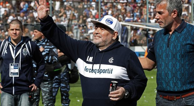 Diego Maradona stecca il debutto