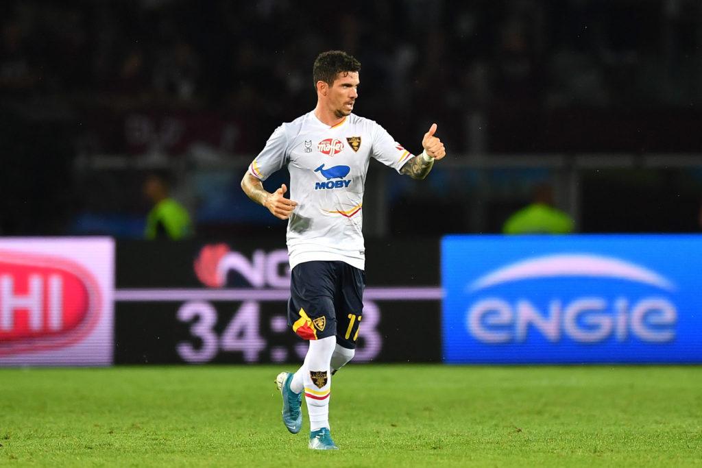 Farias può festeggiare per aver portato in vantaggio il Lecce, al primo goal in questa nuova avventura in Serie A.