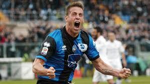 German Denis, attaccante Argentino che per tanti anni ha giocato in Italia.