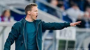 Julian Nagelsmann si è fatto conoscere come allenatore all'Hoffenheim, che ha portato fino ai gironi di Champions League nella stagione 2017/2018; quest'estate è arrivato il passaggio al Lipsia.