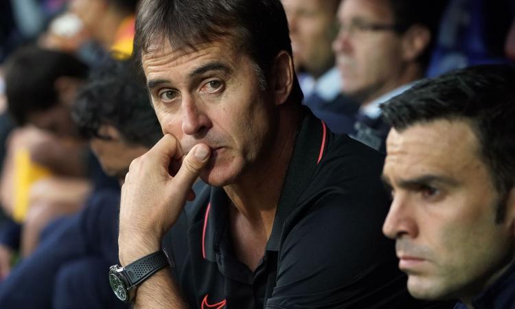 La faccia preoccupata di Loupetegui durante la partita del suo Siviglia contro l'Eibar.