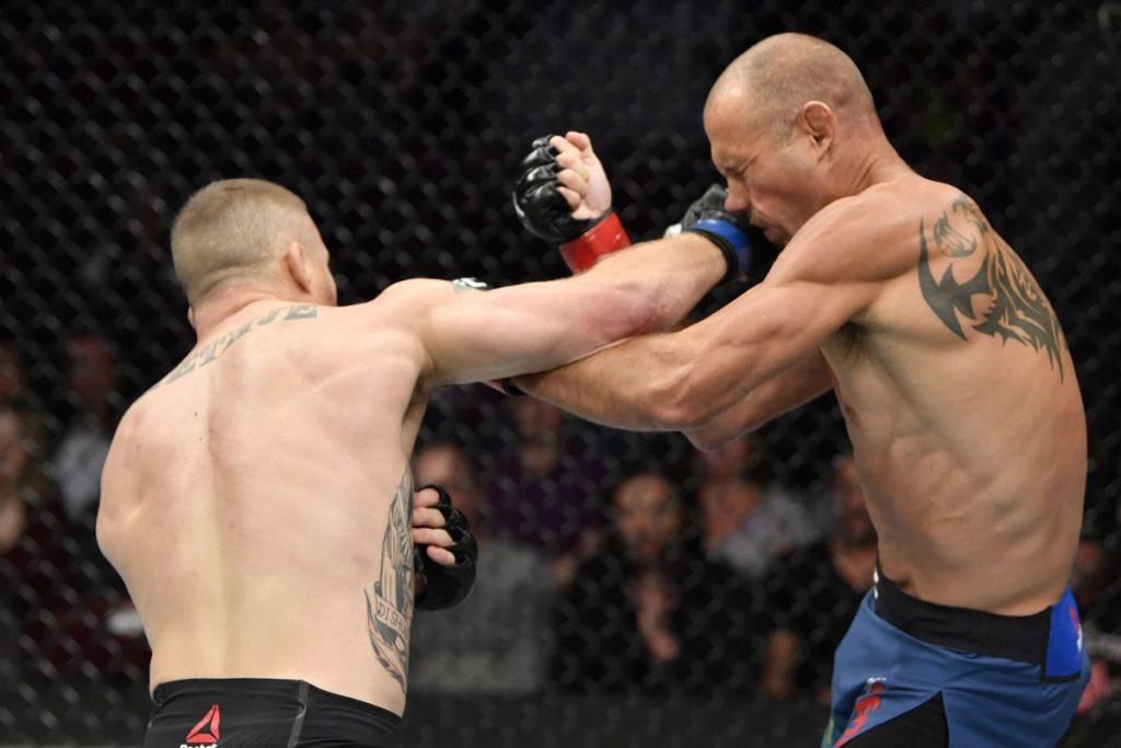 UFC Fight Night 158 - Scambio di colpi tra Cerrone e Gaethje
