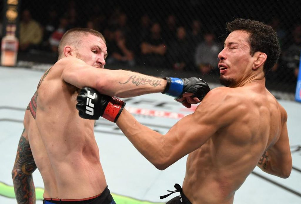 UFC Fight Night 159 - L'incredibile spinning backfist di Steven Peterson
