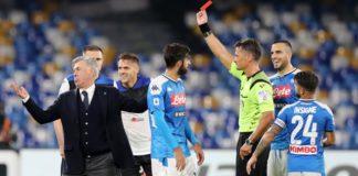 Furia Napoli contro Giacomelli! Ancelotti espulso. Al San Paolo finisce 2-2