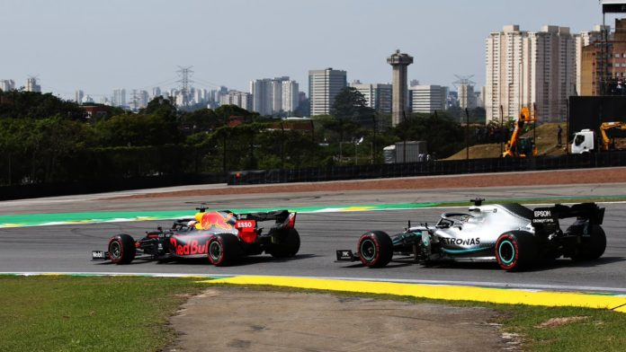 Verstappen domina in Brasile! Ferrari ritirate, Hamilton penalizzato.
