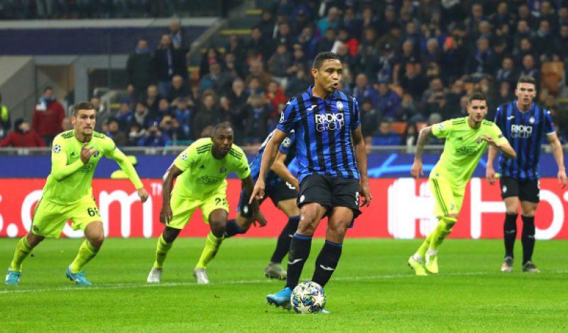 Muriel spiazza il portiere avversario e porta avanti la Dea; Atalanta-Dinamo Zagabria 1-0.