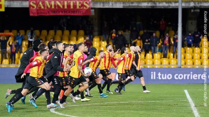 Benevento, un Natale in fuga! Battuto 1 a 0 il Frosinone.