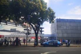 La polizia è subito intervenuta nella zona del Monumental dopo l'allarme bomba.