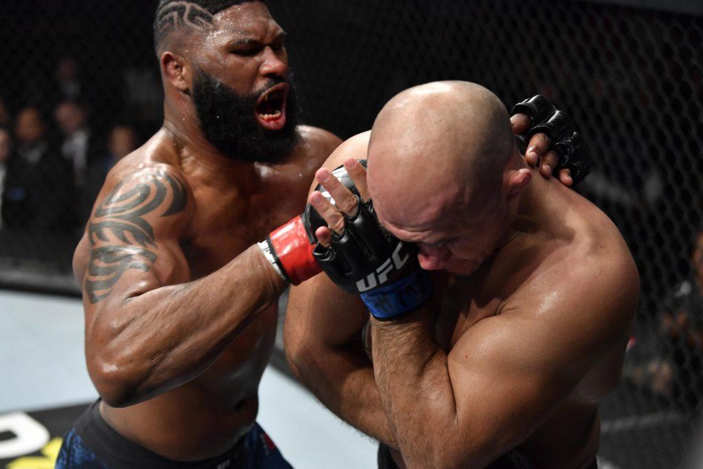 UFC Fight Night 166 - Blaydes aggressivo su Dos Santos