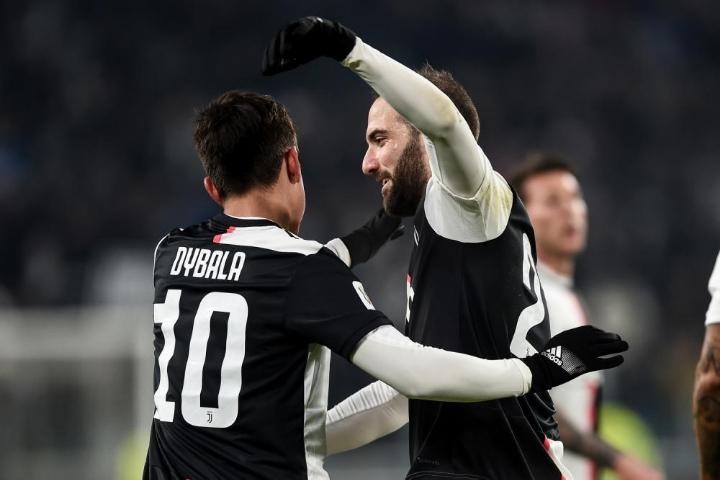 Dybala e Higuain con gol e grandi giocato regalano vittoria e spettacolo alla Juventus all'Allianz Stadium; Coppa Italia, gli ottavi di finale.