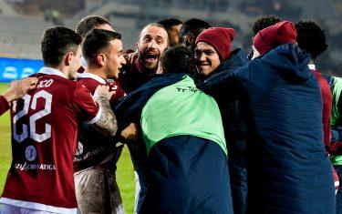 L'esultanza dei calciatori granata dopo la lotteria dei calci di rigore; Coppa Italia, gli ottavi di finale.