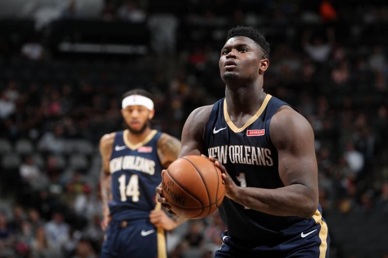 Zion Williamson coprirà gli stipendi del personale dell'arena di New Orleans per i prossimi 30 giorni