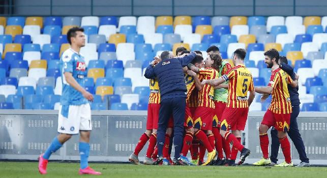 Napoli-Lecce 2-3: azzurri infuriati con l'arbitro Giua