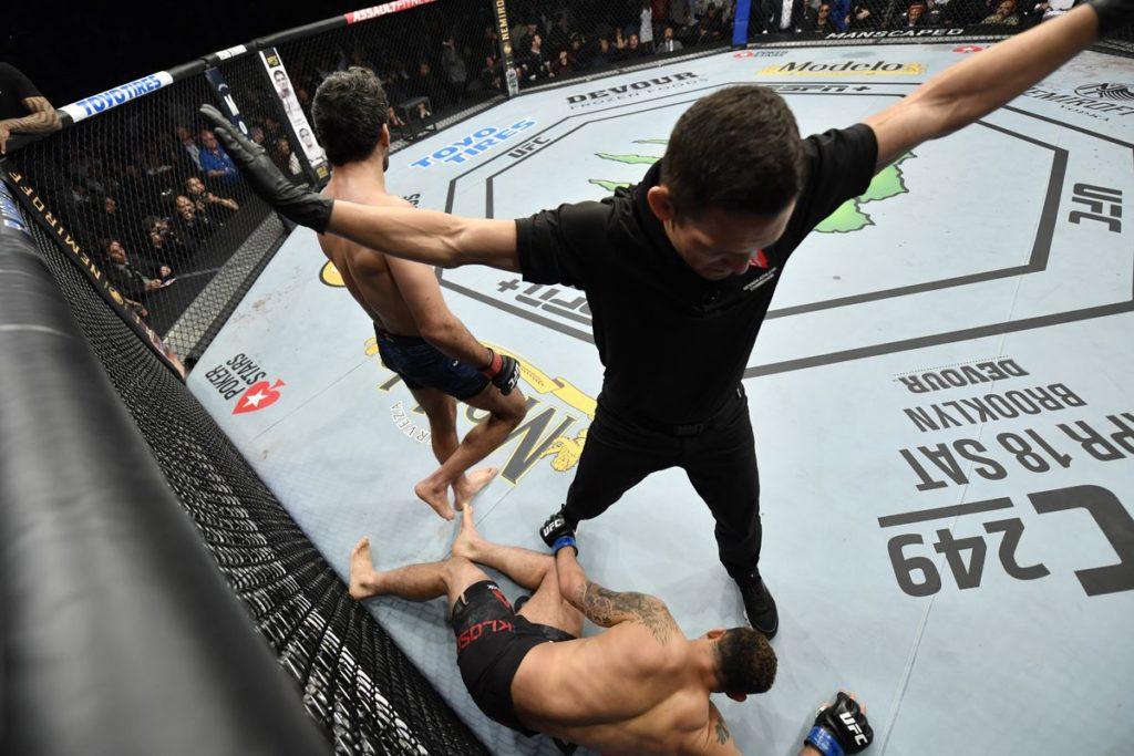 UFC 248 - Beneil Dariush KO