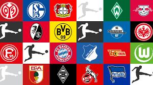 Gli stemmi delle 18 squadre partecipanti alla Bundesliga 2019/2020.
