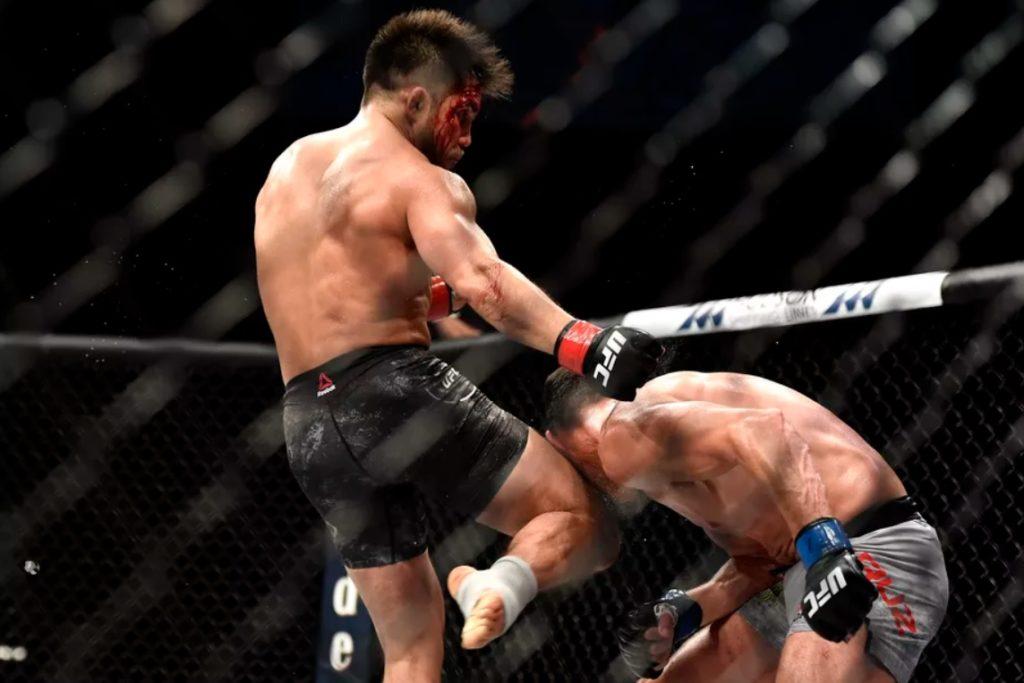 UFC 249 - La ginocchiata di Henry Cejudo
