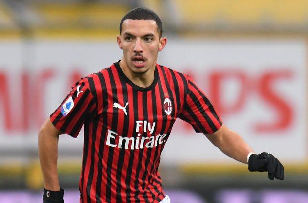 Bennacer con la maglia del Milan