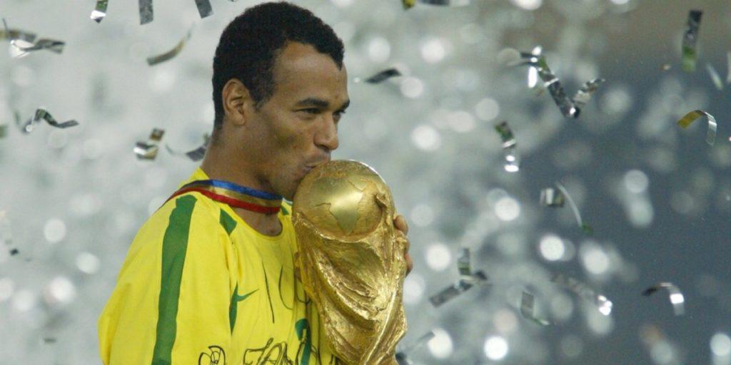 Cafù campione del mondo alla guida del Brasile.
