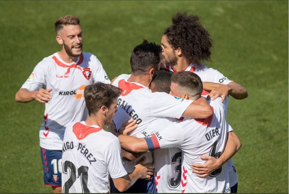 Il Barcellona vince e rimane a  1 dal Real, l'Atletico vince