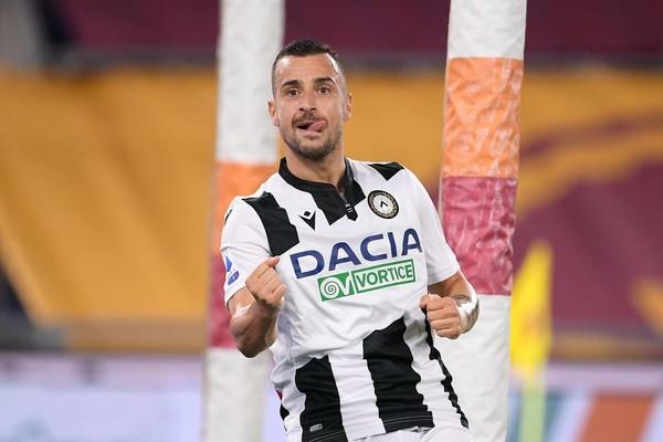 Udinese, Nesterovski esulta dopo il gol del 2 - 0 contro la Roma
