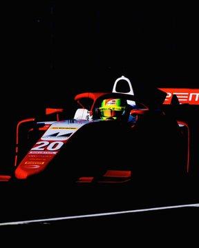 F2, Mick Schumacher comanda la classifica!