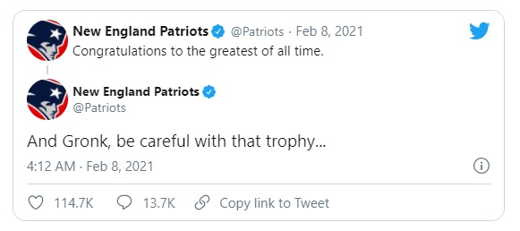 I Patriots celebrano Brady e Gronkowski