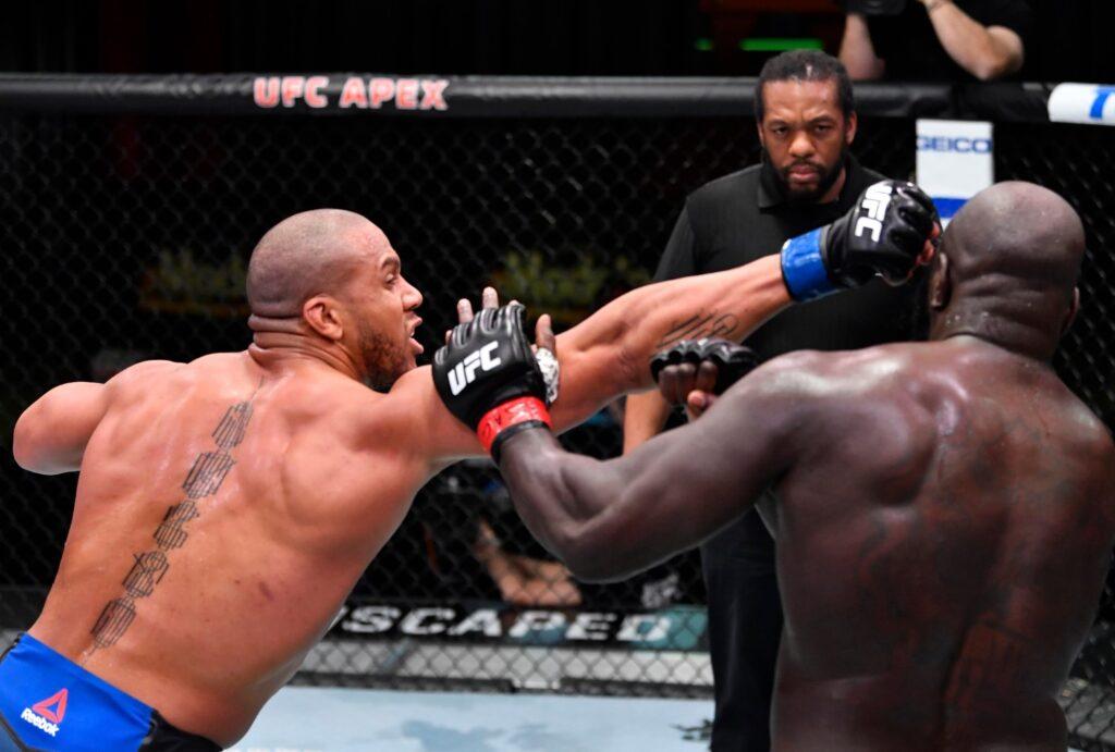 UFC Fight Night 186 - Il pungente jab di Ciryl Gane